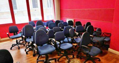 Pulire sedie da ufficio in tessuto - CleanerPRO
